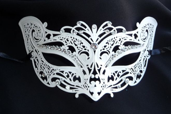 Venetian Style White Metal Petite Cat Mask